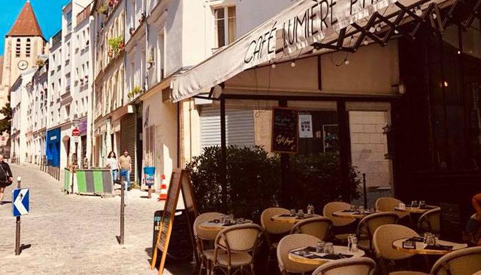 Café Lumière Terrasse Paris