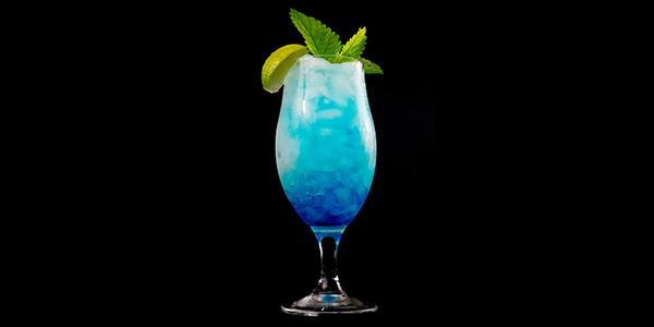 La recette du cocktail Le Blue Hawaiian