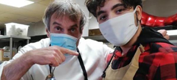 Le Chef Damien (750g La Table) et Moutaz, un jeune réfugié syrien ont créé ensemble, entre autres, le « foie-lafel » un falafel au foie gras